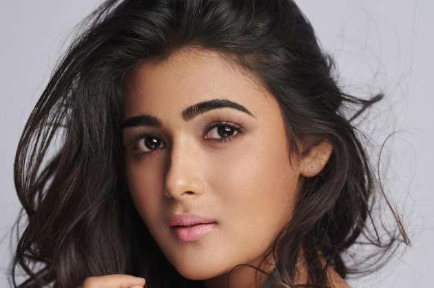 birthday-girl-shalini-pandey-hopes-the-new-year-is-extraordinary